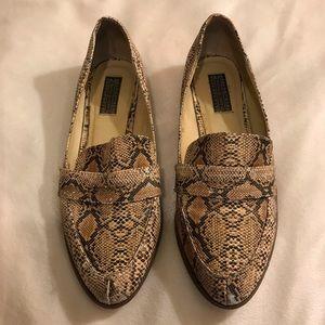 {Deena & Ozzy} loafers